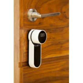 YALE ENTR KΙΤ Ψηφιακής κλειδαριάς με τηλεχειριστήριο και λειτουργία μέσω smartphone